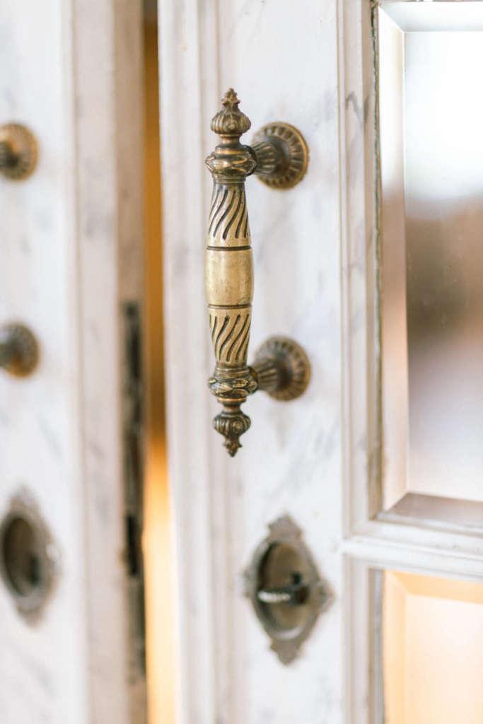 door handle of chateau de moulinsard