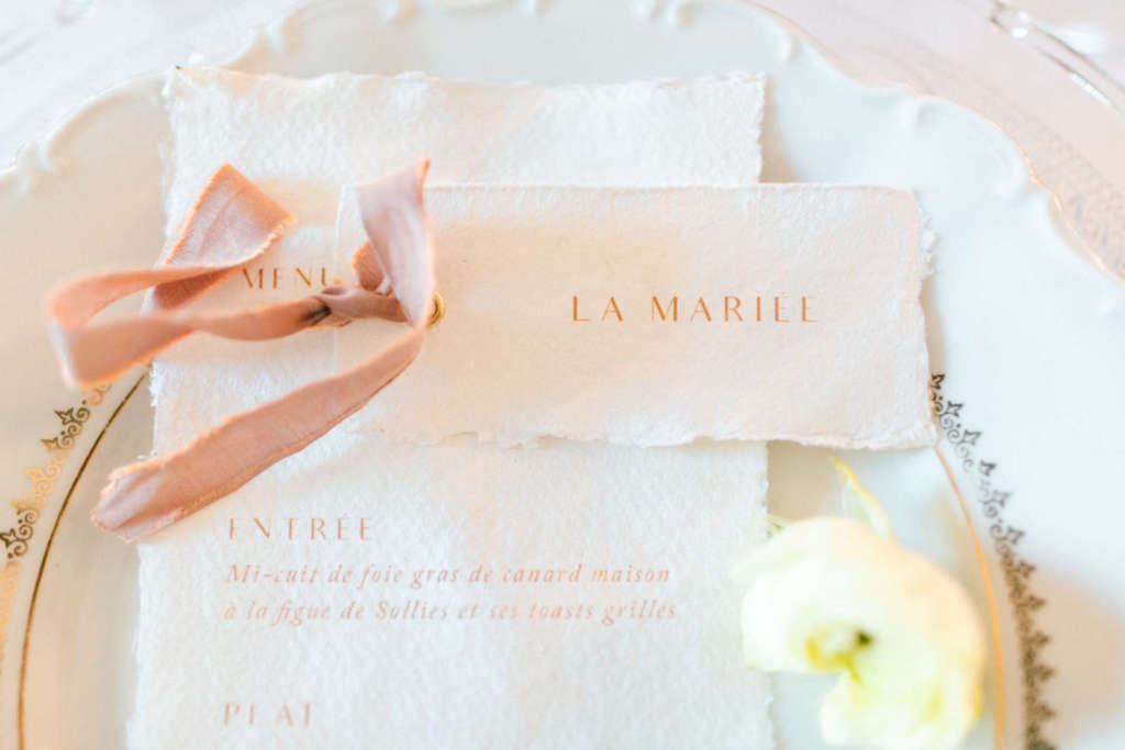 luxury stationary in the wedding plate