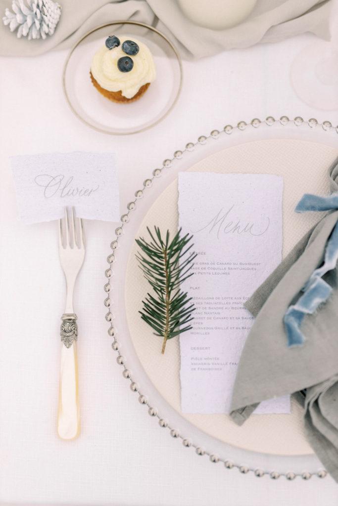 vaisselle mariage hiver, vaisselle mariage à la neige , décoration mariage hiver, calligraphie mariage hivernal