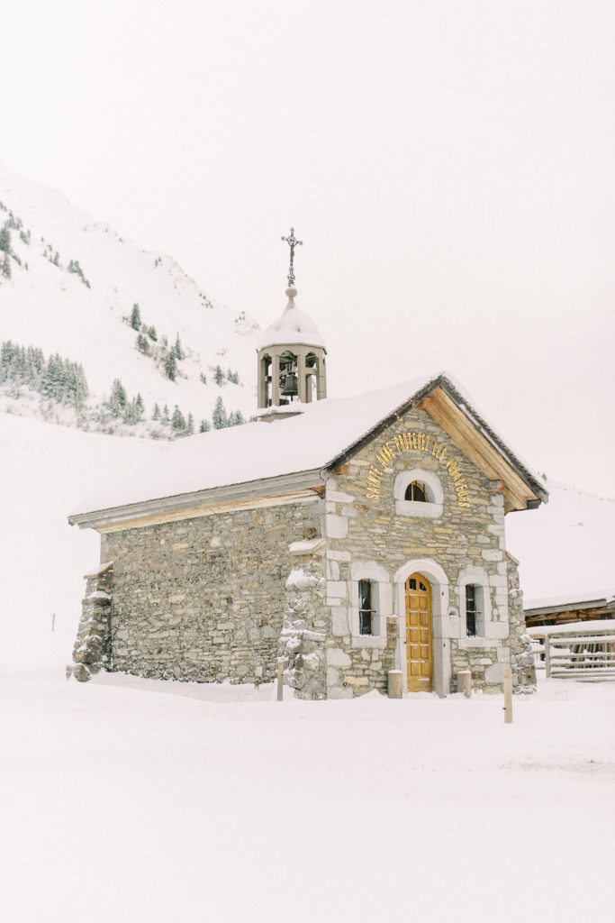 chapel for winter wedding in moutains