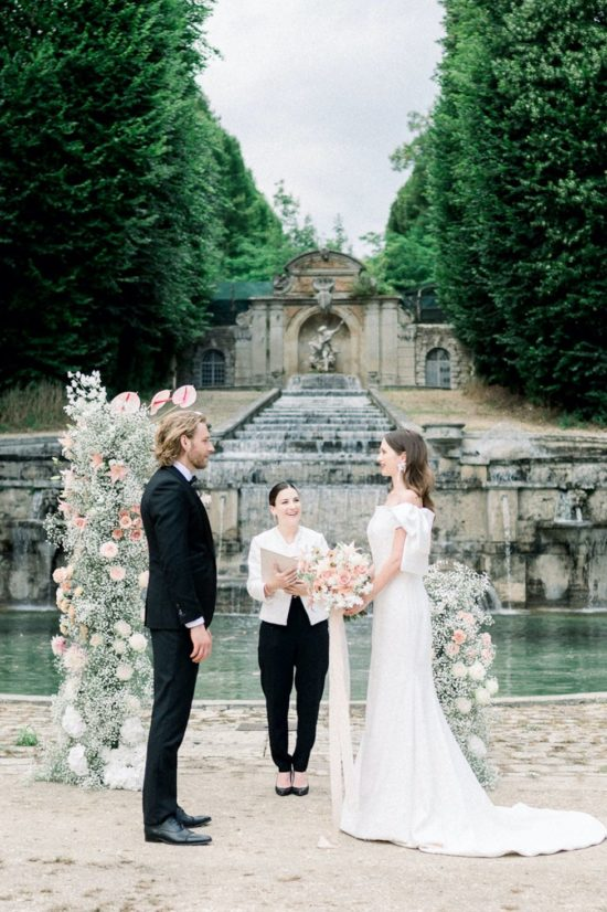 Secular wedding / Symbolic ceremony at the chateau de villette in Paris